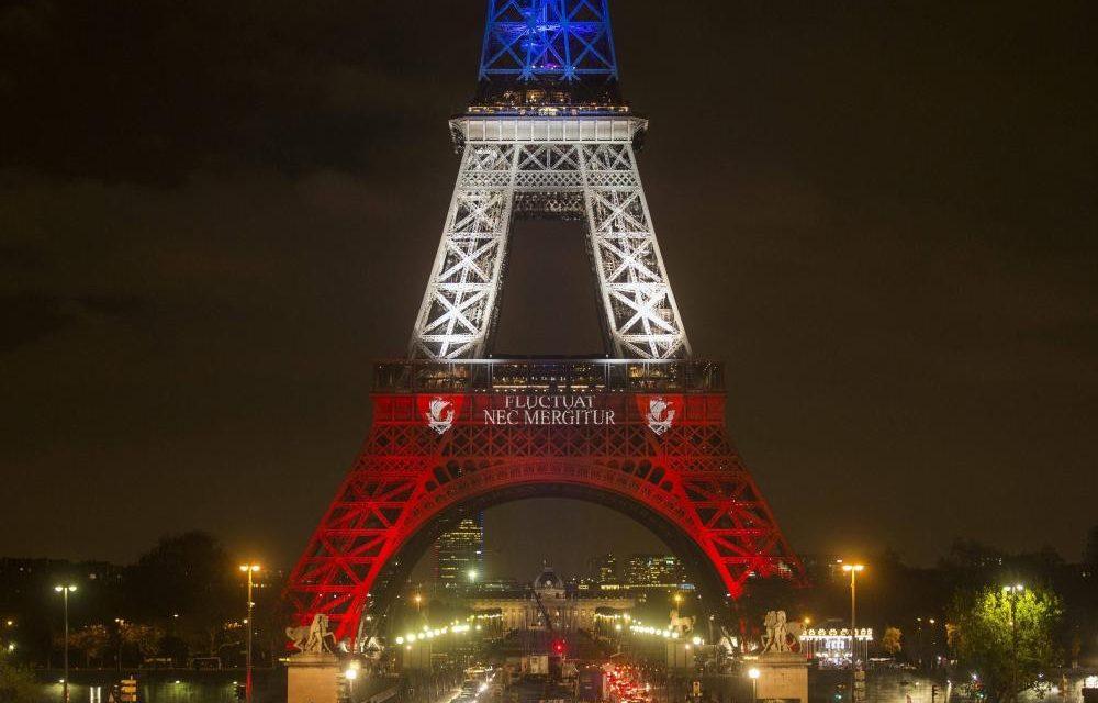 Les attentats de Paris vont-ils tuer la liberté à la française?
