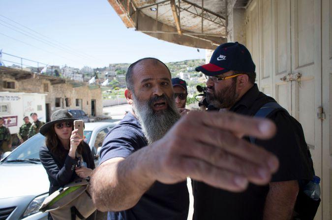 « Déshumaniser les autres vous déshumanise » – Michael Chabon après la visite de Hébron